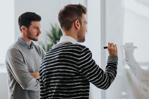 Succesvol leiderschap, Trainingen-Coaching-Sparring, Succesvol veranderen, Onderzoeken–Testen, Workshops–Bijeenkomsten. Personal & Business Improvement